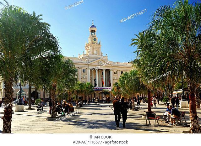 Plaza de San Juan de Dios with town hall, Cadiz, Andalusia, Spain