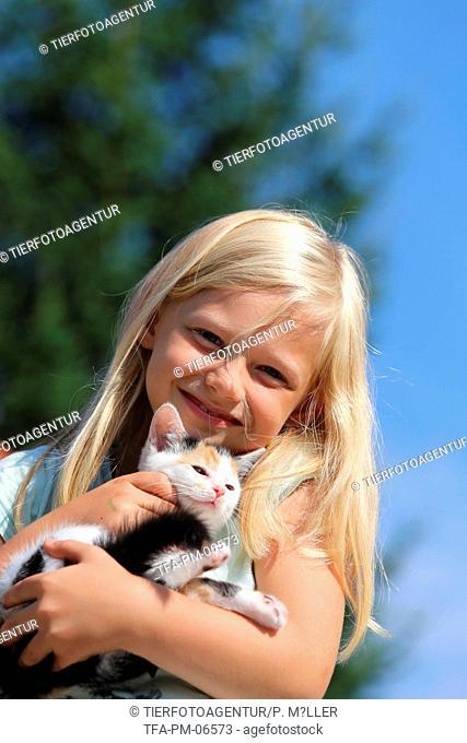 girl and kitten