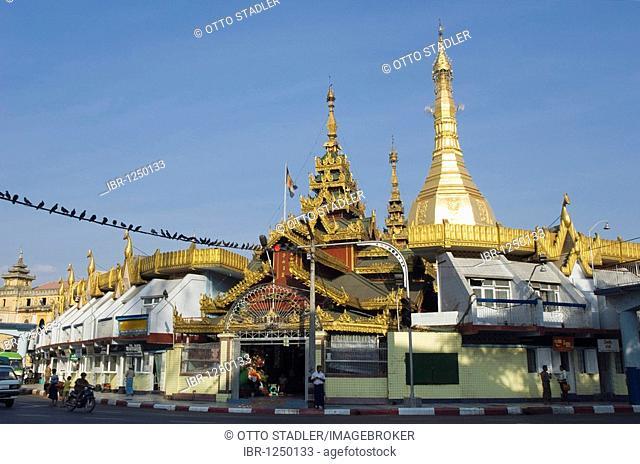 Sule pagoda, Chedi, Buddhist temple, Rangoon, Yangon, Burma, Myanmar, Asia