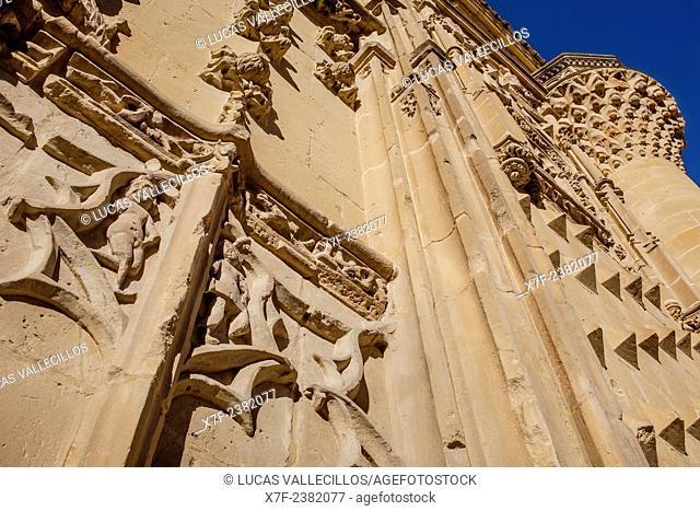 Facade detail, Palacio de Jabalquinto (16th century), Baeza. Jaén province, Andalusia, Spain