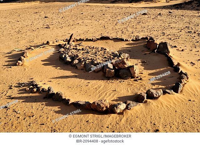 Historic tomb, Adrar Tekemberet, Immidir, Algeria, Sahara, North Africa