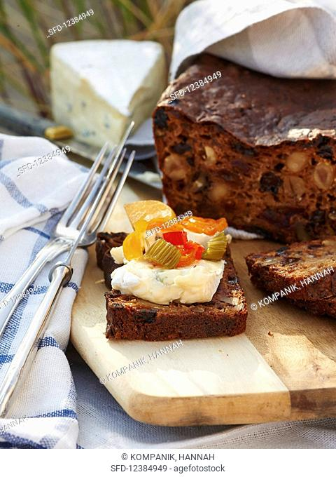 Fruit bread with nuts, pickles and blue cheese