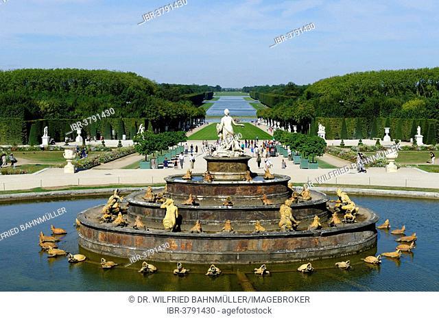 Latona fountain in the gardens, Chateau de Versailles, west side, UNESCO World Heritage Site, Département Yvelines, Region Ile-de-Francs, France
