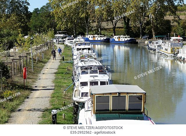 Pedestrian path along the Canal du Midi at Capestang, France