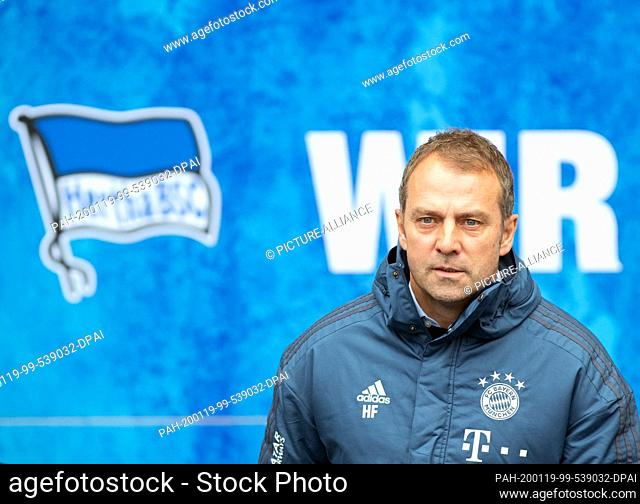 19 January 2020, Berlin: Football: Bundesliga, Hertha BSC - FC Bayern Munich, 18th matchday in the Olympic Stadium. Coach Hansi Flick of FC Bayern comes out of...