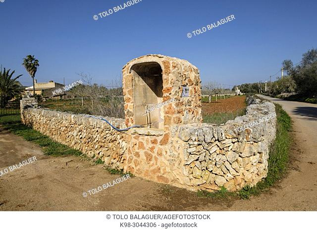 pozo, Pou de Sa Pleta, Son Valls, Felanitx, Mallorca, balearic islands, Spain