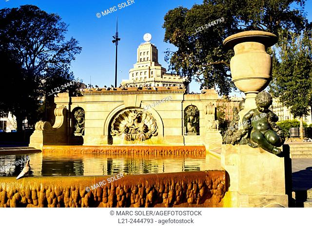 Fountain. Plaça de Catalunya, Barcelona, Catalonia, Spain