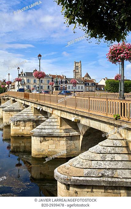 Saint Pierre church, Paul Bert bridge, Yonne river, Auxerre, Yonne, Burgundy, Bourgogne, France, Europe