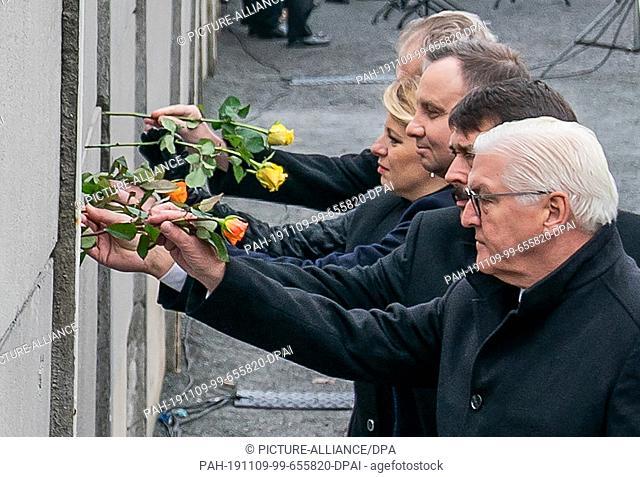dpatop - 09 November 2019, Berlin: Federal President Frank-Walter Steinmeier (r-l), Janos Ader, President of Hungary, Andrzej Duda, President of Poland
