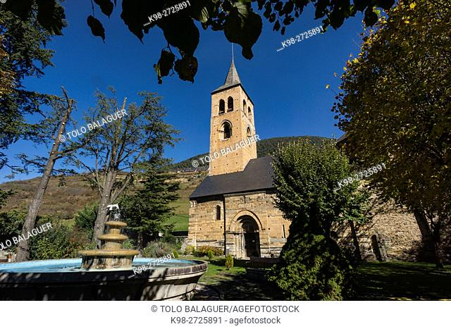 Bell tower, gothic architecture. c.XIV Romanesque church of Sant Felixc de Vilac, c.XII Vielha e Mijaran village, Aran Valley, Pyrenees, Spain