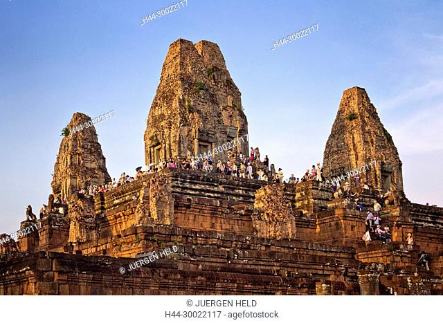 Temple Pre Rup at sunset, Tourist crowd, Angkor Wat , Cambodia, Asia