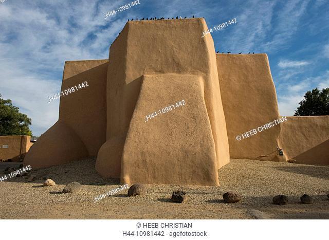 adobe Mission Church in Taos