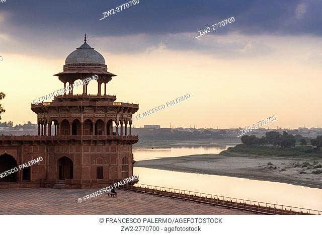 Detail of mosque in backlit with Yamuna river on backgournd. Agra, Uttar Pradesh. India