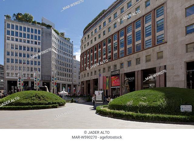 palazzo del toro, piazza san babila, milan