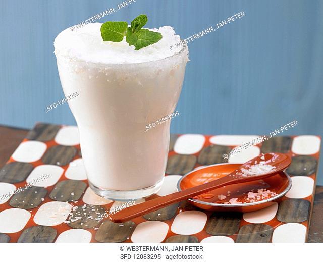 A yoghurt drink with lemon