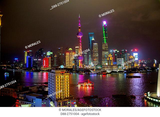 China, Shanghai, The Bund, along the Huangpu river