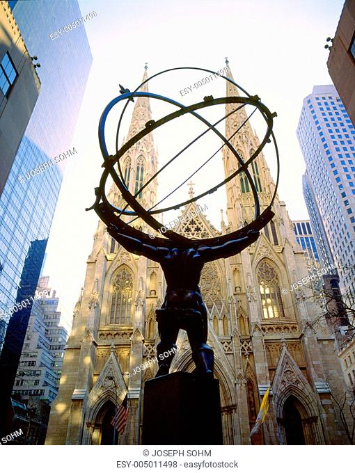 Rockefeller Square, Saint Patricks Cathedral, New York