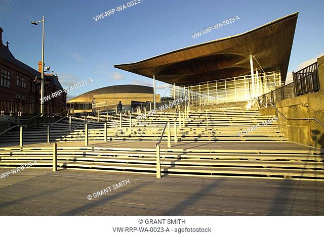 NATIONAL ASSEMBLY FOR WALES, CARDIFF BAY, CARDIFF, WALES, UK, RICHARD ROGERS PARTNERSHIP, EXTERIOR