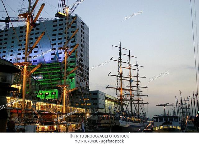 Amsterdam Sail 2005 by night