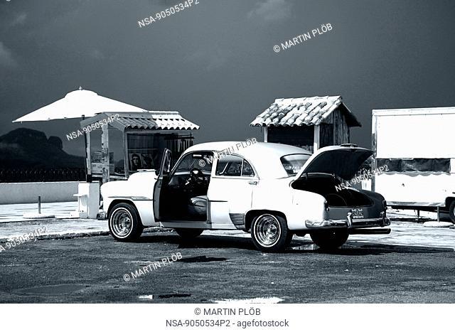old car in Viñales