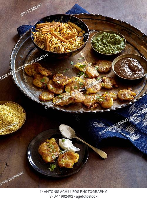 Indian potato chaat with dips