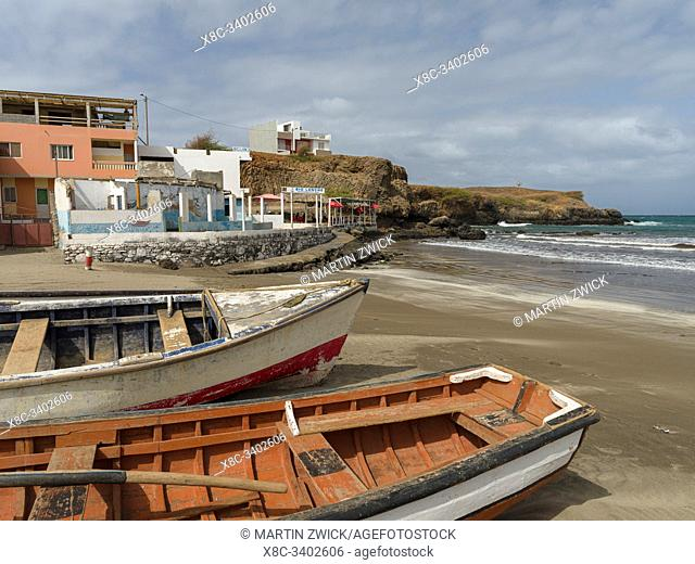 Traditional fishing boats on the beach of Praia Baixo. Island of Santiago (Ilha de Santiago), Islands of Cape Verde in the equatorial Atlantic