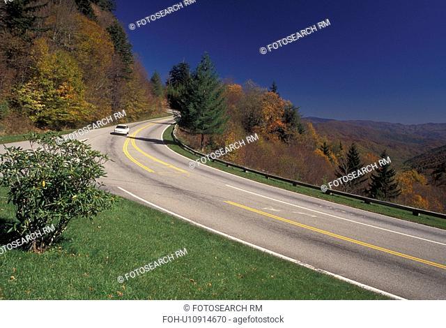 NC, North Carolina, Great Smoky Mountains National Park, Newfound Gap road, transportation, fall