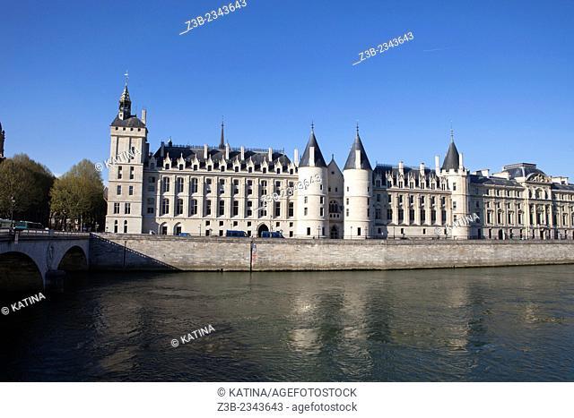 The Seine River and the Conciergerie, a former royal palace and prison, Ile de la Cite, Paris, France, Europe