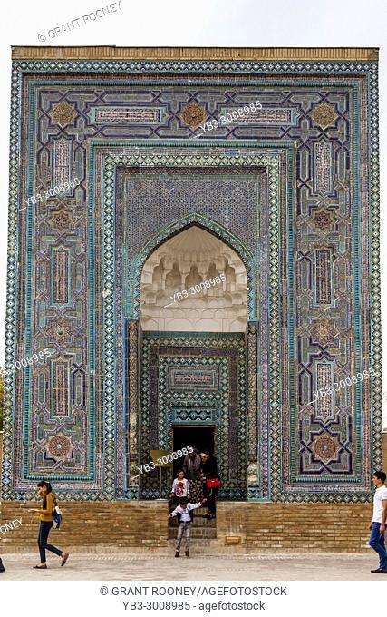 Uzbek Tourists Visiting The Usto Ali Nesefi Mausoleum, The Shah-i-Zinda Mausoleum Complex, Samarkand, Uzbekistan