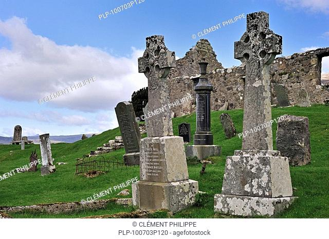 Celtic cross in the graveyard of Cill Chriosd / Kilchrist Church, a ruined former parish church of Strathaird on the Isle of Skye, Highlands, Scotland, UK