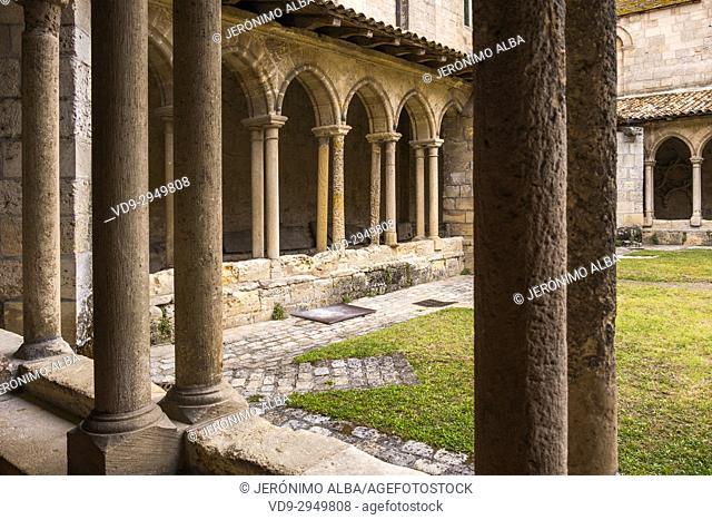Monolithic church cloister, Saint-Emilion Bordeaux wine region. Aquitaine Region, Gironde Department. France Europe