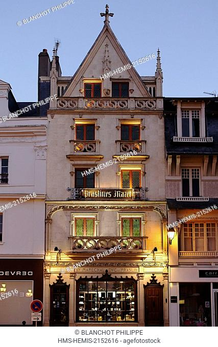 France, Loiret, Montargis, Mazet store, facade