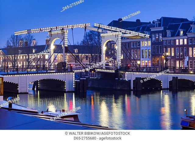 Netherlands, Amsterdam, Magere Brug, the Skinny Bridge, dusk