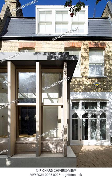 An extension of an Edwardian terrace property in Belsize Park, it replaces an existing conservatory creating more usable space i