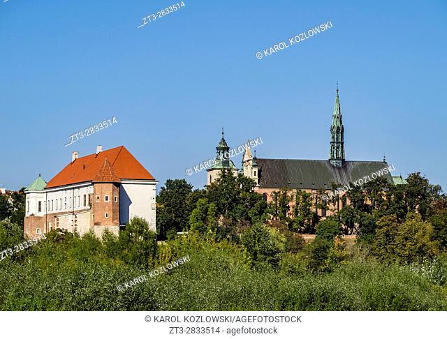 Poland, Swietokrzyskie Voivodeship, Sandomierz Skyline with Castle and Cathedral