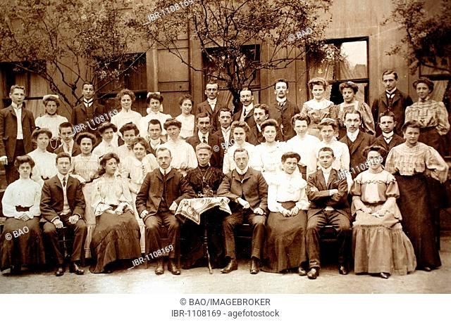 Historical photo of a familiy, 1906, Germany