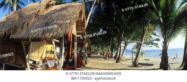 Bamboo hut under coconut palm trees on White Sand Beach, Hat Sai Kao, Koh Chang Island, Trat, Thailand, Southeast Asia