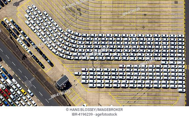 Loading new cars, Hansahafen, Unikai, Port of Hamburg, Elbe, Hamburg, Germany