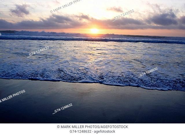 Sunset on the Pacific Ocean seashore of California, USA