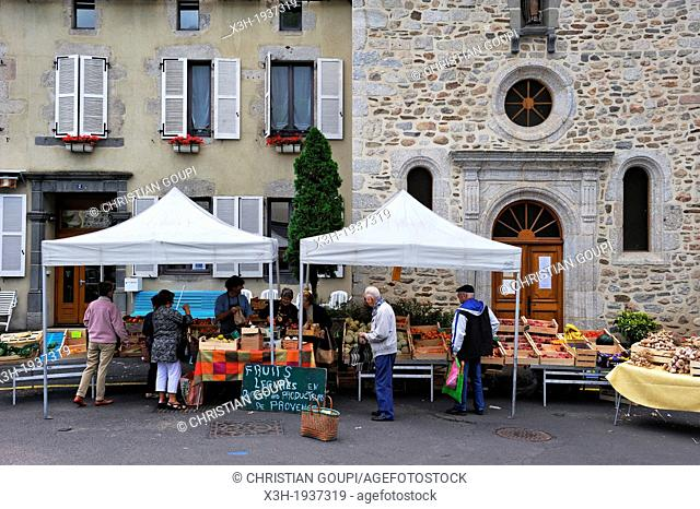 market in the town of Chaudes-Aigues, Cantal department, Auvergne region, France, Europe