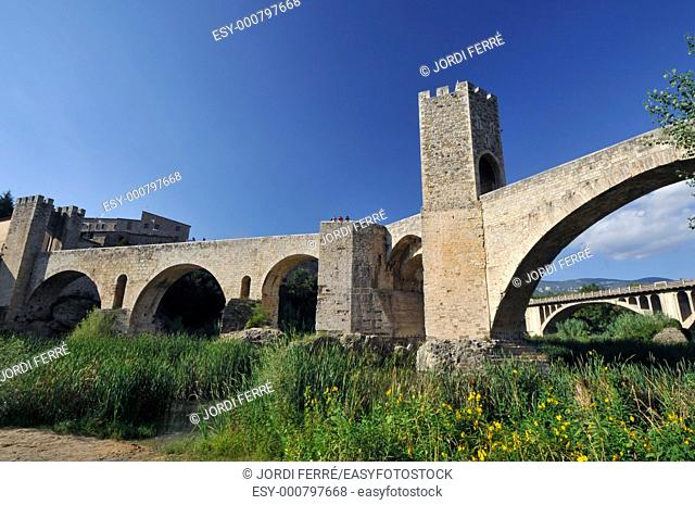 Romanesque bridge of Besalú, Garrotxa, Catalonia, Spain, Europe