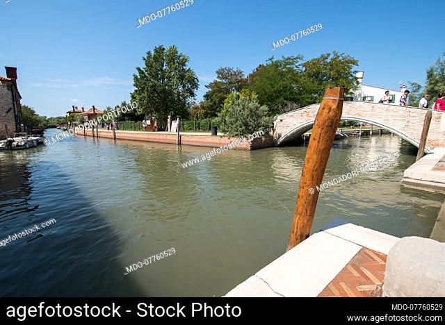 Tourists around the island of Torcello in the summer of Covid. Venice (Italy), 20 August 2020