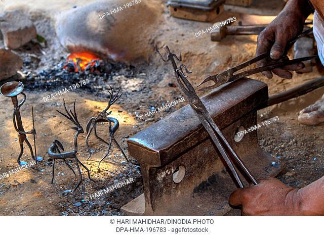 Moulding wrought iron, bastar, chhattisgarh, india, asia