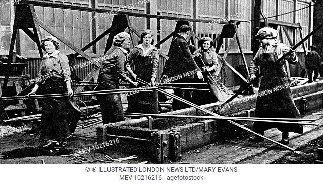 Female workers at a naval ship-building yard in 1916. World War I saw women taking on traditionally male jobs for the first time