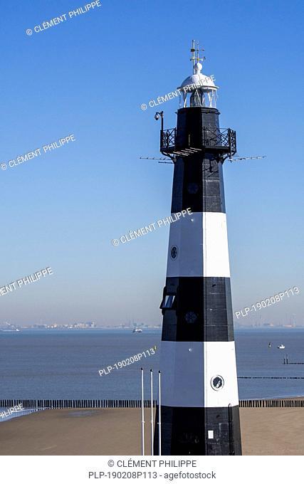 Nieuwe Sluis, Dutch lighthouse at Nieuwesluis near Breskens which marks the entrance to the Western Scheldt / Westerschelde, Zeeland, the Netherlands