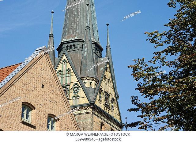 Gothic church St  Nikolai at 'Suedermarkt', built from 1390 to 1480, Flensburg, Schleswig-Holstein, Germany