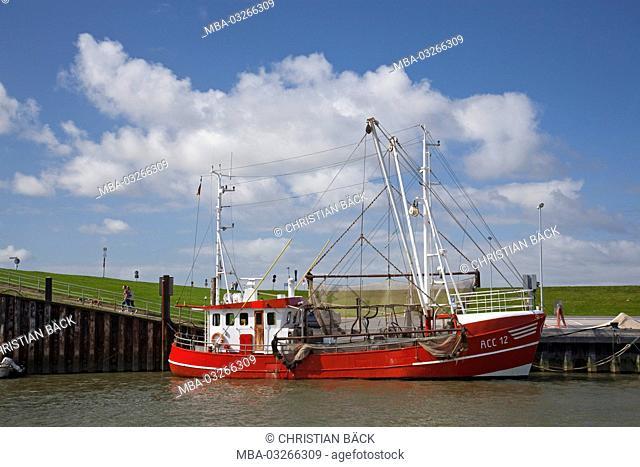 Fishing trawler in Westeraccumersiel, Dornumersiel, Lower Saxony, Germany, Europe