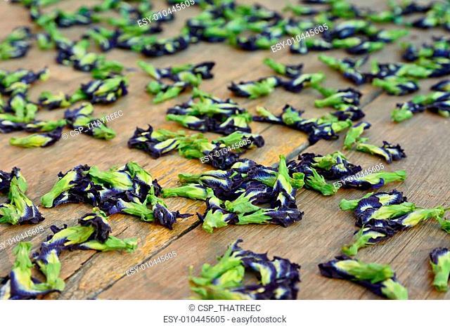 Sun dried butterfly pea flowers