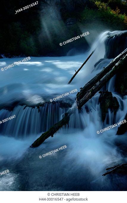 North America, USA, Pacific Northwest, Oregon, Dillon Falls of the Deschutes river