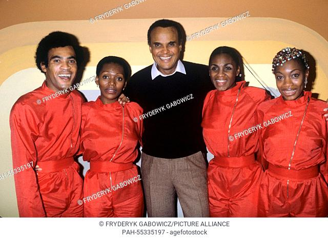 l-r. Bobby Farrell, Liz Mitchell, Harry Belafonte, Marcia Barrett, Maizie Williams in October 1991.   usage worldwide. - /Germany